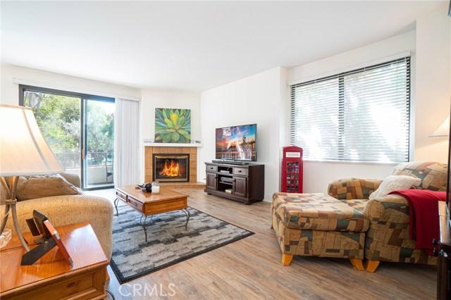 8701 Falmouth Avenue 101, Playa del Rey, CA 90293