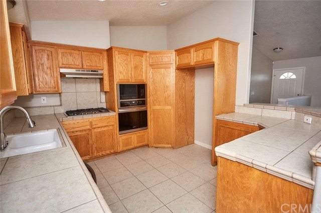 32755 Spinel Rd, Lucerne Valley, CA 92356 Photo 11