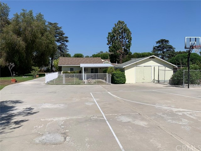1425 S 6th Avenue, Arcadia, CA 91006