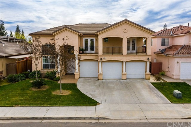 5779 W Bluff Avenue, Fresno, CA 93722