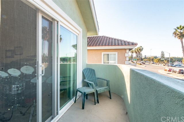 2206 Manhattan Beach Boulevard A, Redondo Beach, California 90278, 3 Bedrooms Bedrooms, ,3 BathroomsBathrooms,For Sale,Manhattan Beach,SB20239110