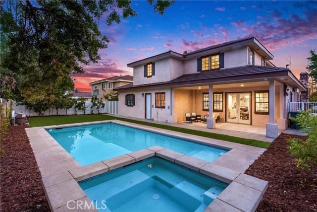 房产卖价 : $298.00万/¥2,050万