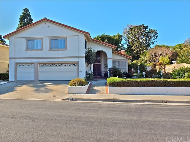 721 Pepper Tree Lane, Long Beach, CA 90815