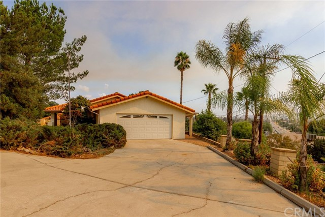 Photo of 27001 Crews Hill Drive, Sun City, CA 92586