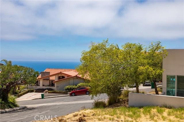 37. 600 LORETTA Drive Laguna Beach, CA 92651