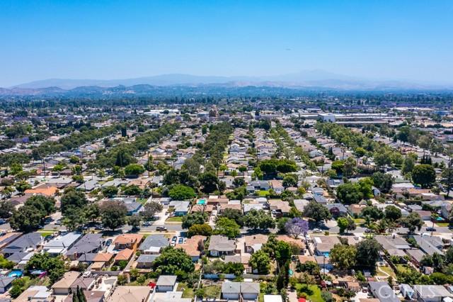 24. 2102 Poinsettia Street Santa Ana, CA 92706