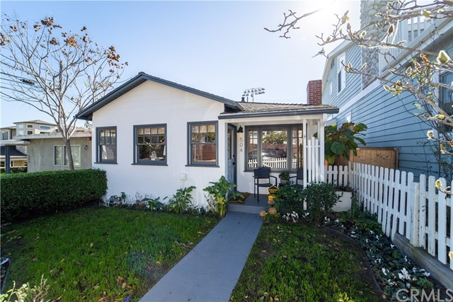 504 21st Street, Manhattan Beach, California 90266, 3 Bedrooms Bedrooms, ,1 BathroomBathrooms,For Sale,21st,SB21008656