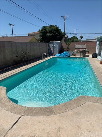 Great opportunity on this home.  Needs TLC with a pool.  Bring your handyman to fix it up your own way.