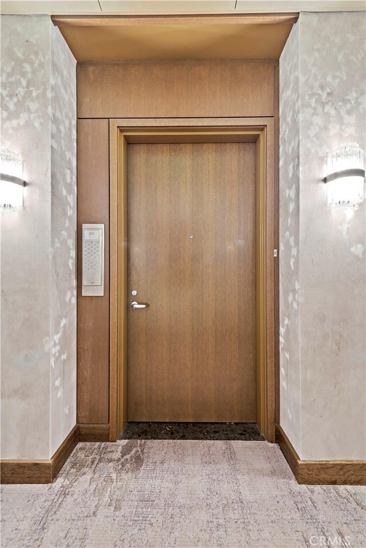 Entry Door to 39F