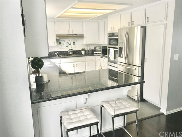 2609 Vanderbilt Lane 5, Redondo Beach, California 90278, 3 Bedrooms Bedrooms, ,2 BathroomsBathrooms,For Sale,Vanderbilt,SB21063160