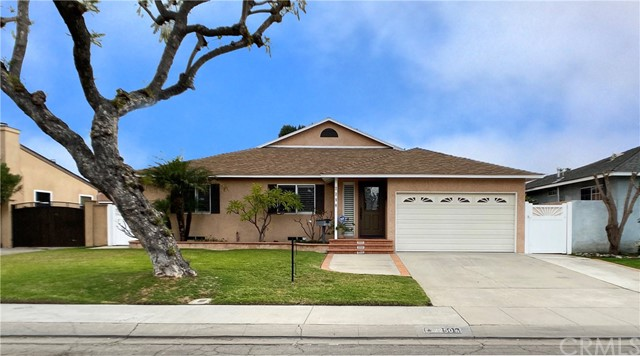 2250 Gondar Avenue, Long Beach, CA 90815