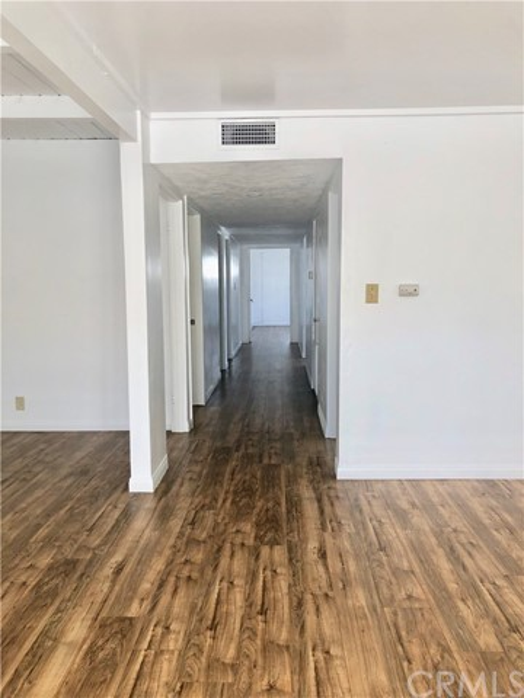 502 W 17th Street W 504, Santa Ana, CA 92706