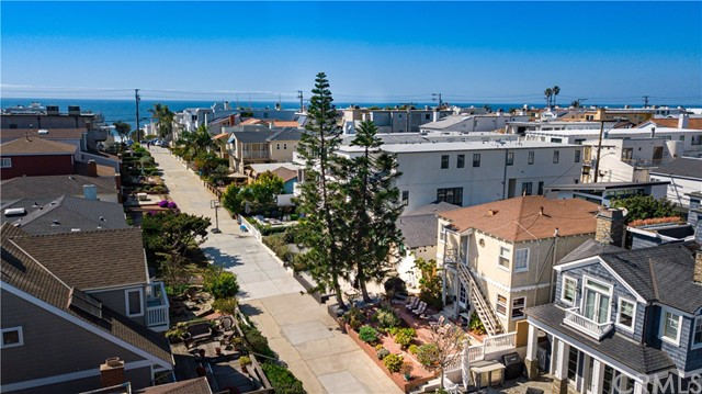 413 5th Street, Manhattan Beach, California 90266, 4 Bedrooms Bedrooms, ,2 BathroomsBathrooms,For Sale,5th,SB21054746
