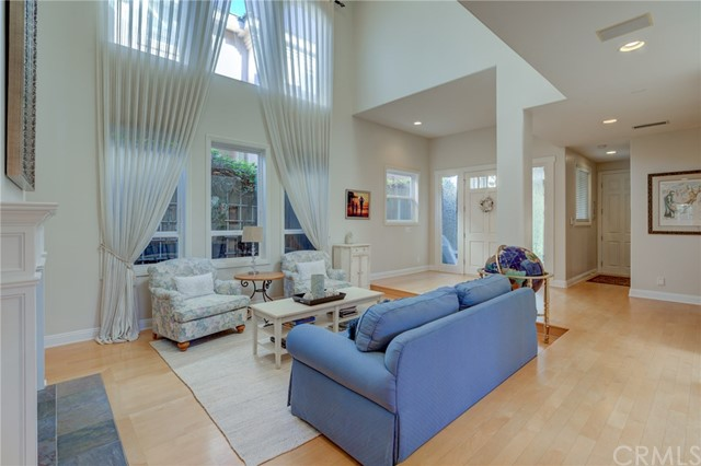 637 17th Street, Manhattan Beach, California 90266, 6 Bedrooms Bedrooms, ,3 BathroomsBathrooms,For Sale,17th,SB20249999