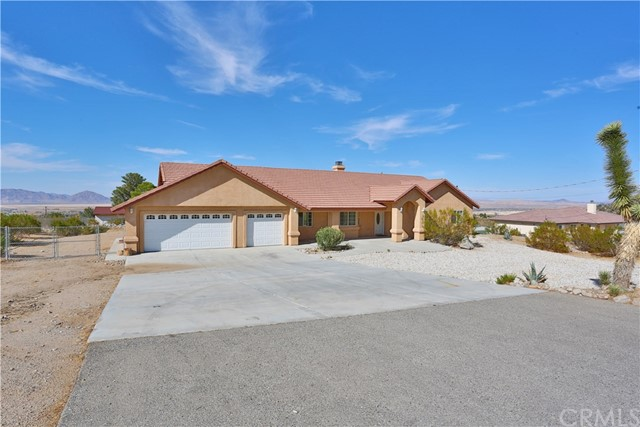 32828 Sapphire Road, Lucerne Valley, CA 92356