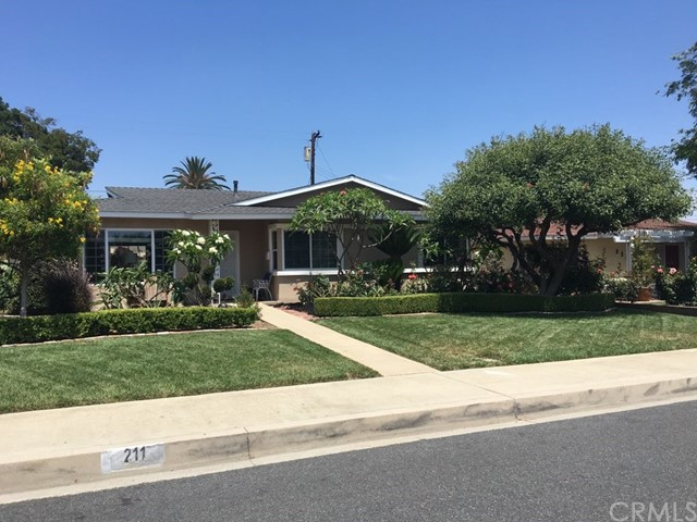 211 Roosevelt Avenue, Pomona, CA 91767