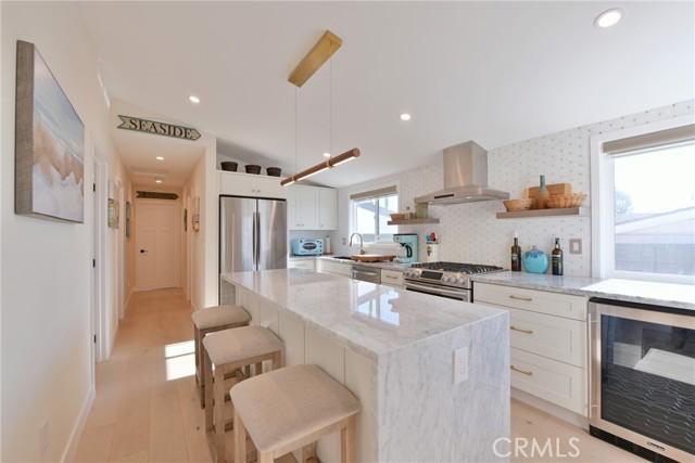 房产卖价 : $204.90万/¥1,410万