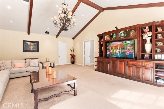 15. 521 S Grand Avenue West Covina, CA 91791