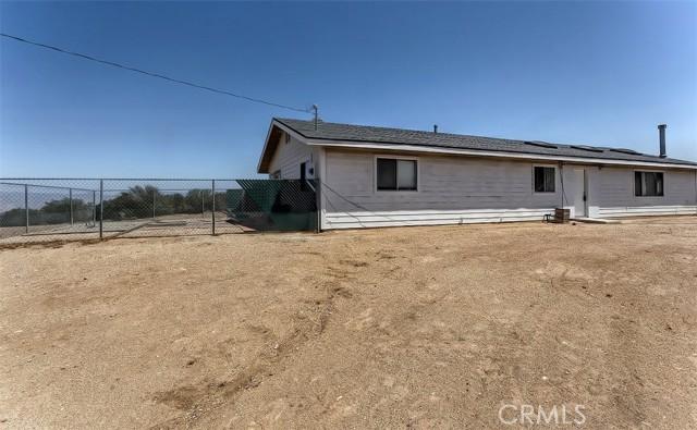 20. 5225 Bellflower Street Oak Hills, CA 92344