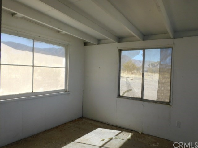 32425 Emerald Rd, Lucerne Valley, CA 92356 Photo 13