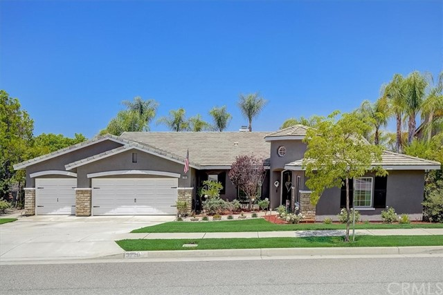 Photo of 3220 Chris Wren Circle, Corona, CA 92881