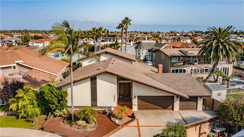16661 Wellington Circle, Huntington Beach, CA 92649