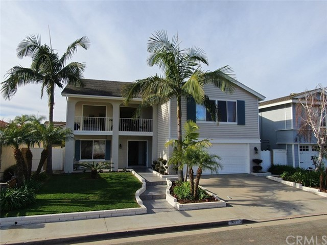4272 Dogwood Avenue, Seal Beach, CA 90740