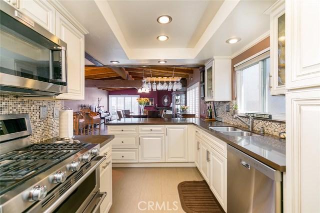 824 3rd Street- Hermosa Beach- California 90254, 3 Bedrooms Bedrooms, ,2 BathroomsBathrooms,For Sale,3rd,SB18089802