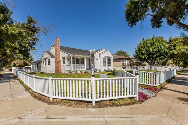 2221 W Clark Avenue, Burbank, CA 91506