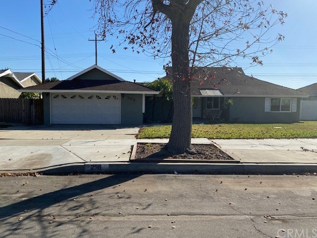 298 Azure Court, Upland, CA 91786