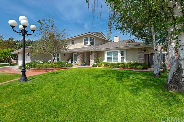 252 Whispering Oaks Drive, Glendora, CA 91741