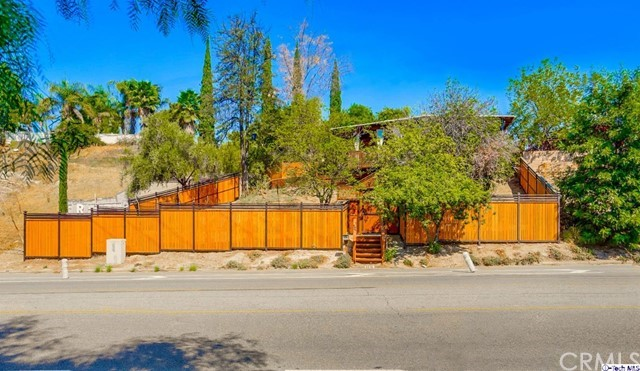 9019 Foothill Bl, Sunland, CA 91040 Photo