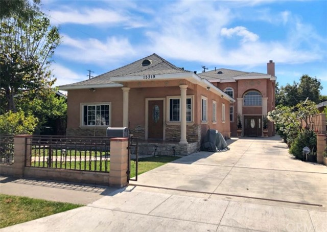 15319 California Avenue, Paramount, CA 90723