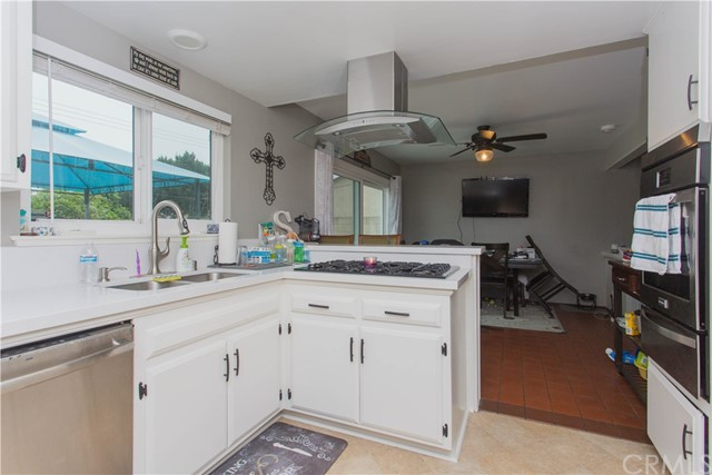 Image 3 for 11370 Bluebell Ave, Fountain Valley, CA 92708