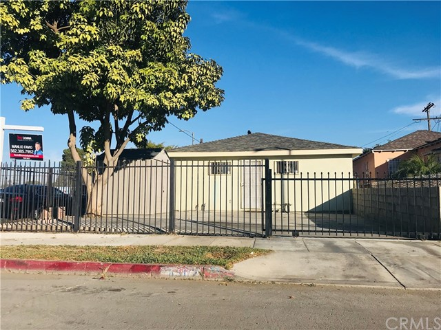 8902 Towne Avenue, Los Angeles, CA 90003