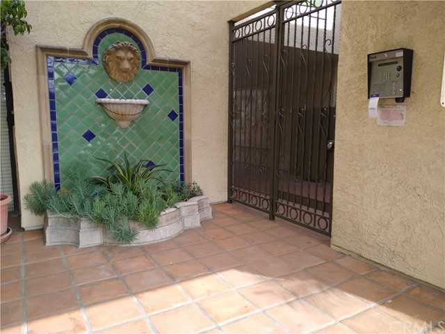 64 N Mar Vista Av, Pasadena, CA 91106 Photo 2