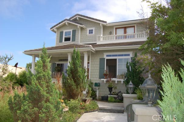 844 Avenue B, Redondo Beach, California 90277, 5 Bedrooms Bedrooms, ,5 BathroomsBathrooms,For Sale,Avenue B,S11125729