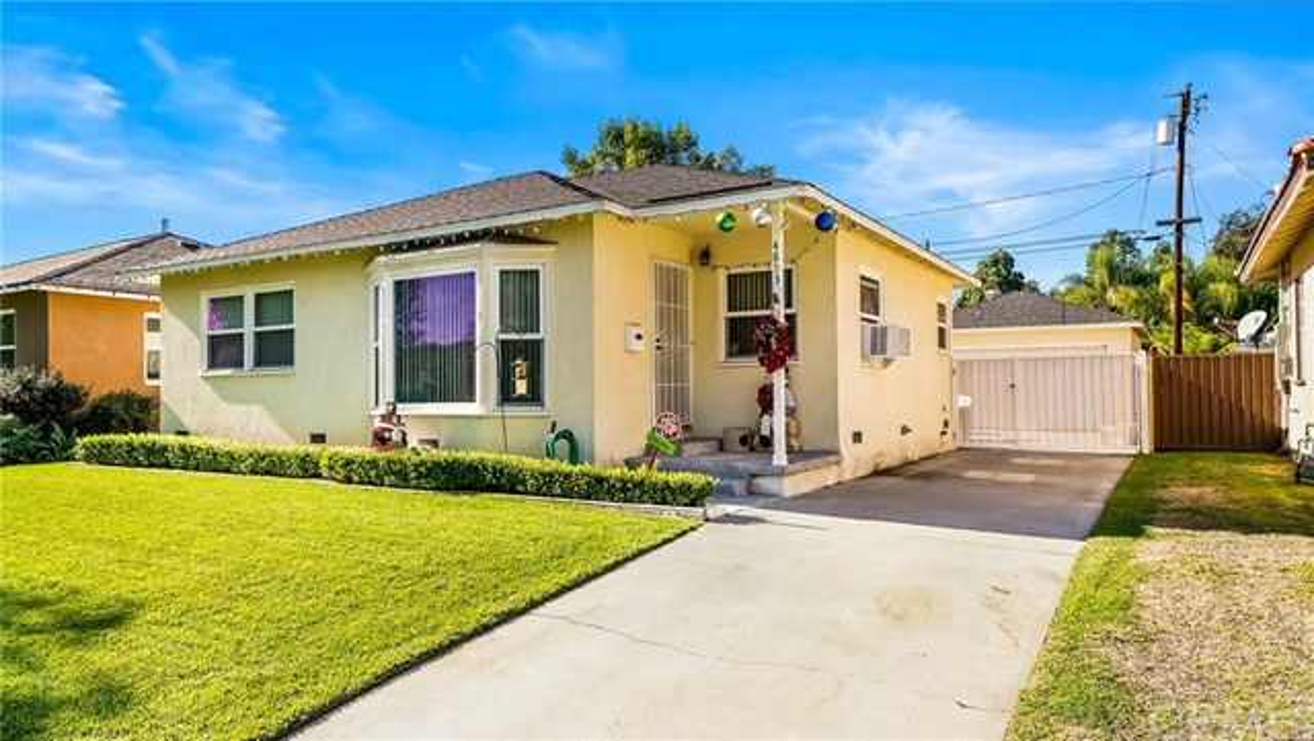 4853 Snowden Avenue, Lakewood, CA 90713