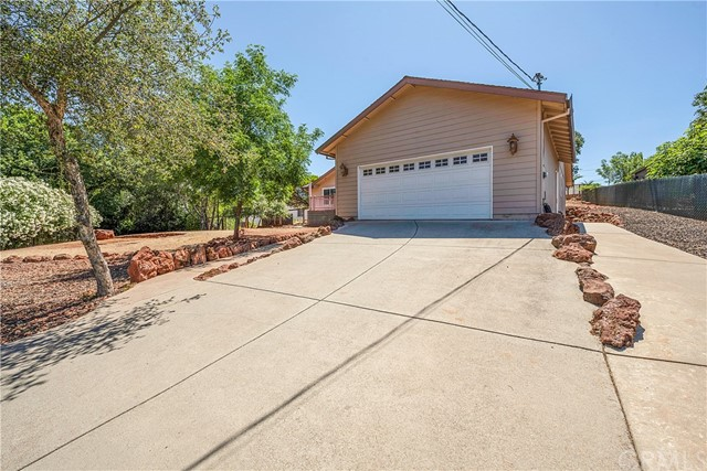 18631 Pine Flat Ct, Hidden Valley Lake, CA 95467 Photo 3