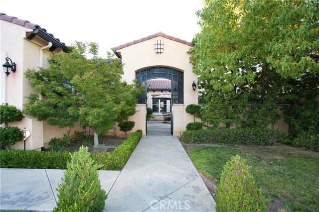 1550 E Golden Valley Way, Fresno, CA 93730