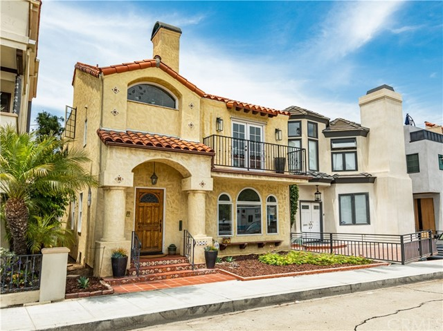 Photo of 163 Angelo Walk, Long Beach, CA 90803