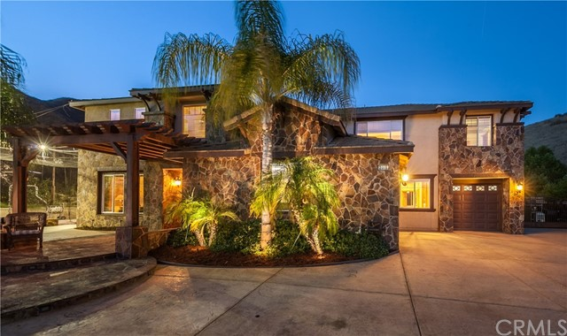 2015 Ridgeview Court, Redlands, CA 92373
