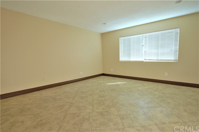 Large Master Bedroom with outside slider/ two full closets