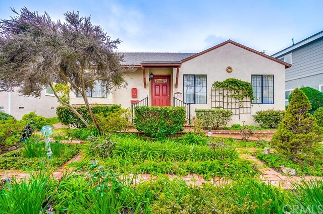 1247 Gertruda Avenue, Redondo Beach, California 90277, 3 Bedrooms Bedrooms, ,1 BathroomBathrooms,Single family residence,For Sale,Gertruda,PV19047697