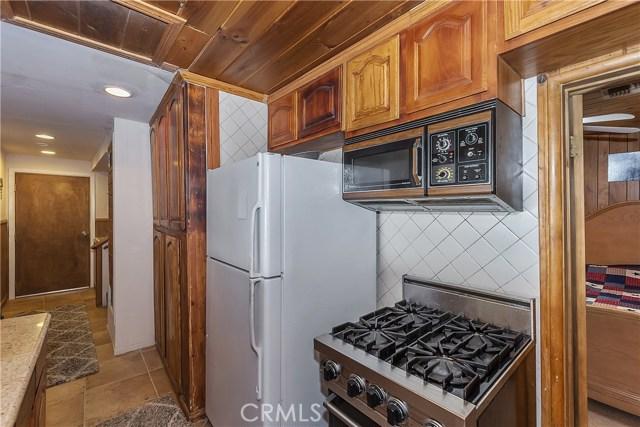 33674 Green Valley Lake Rd, Green Valley Lake, CA 92341 Photo 4