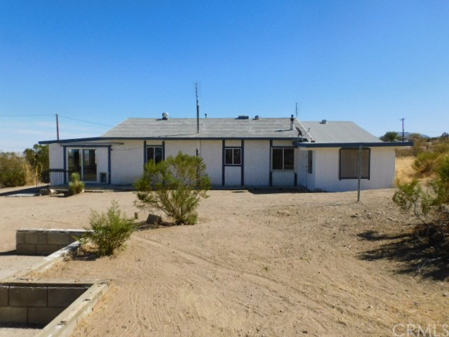 32425 Emerald Rd, Lucerne Valley, CA 92356 Photo 2