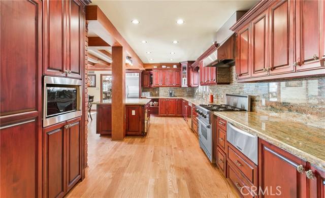 13. 521 S Grand Avenue West Covina, CA 91791