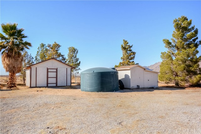 11078 High Rd, Lucerne Valley, CA 92356 Photo 6