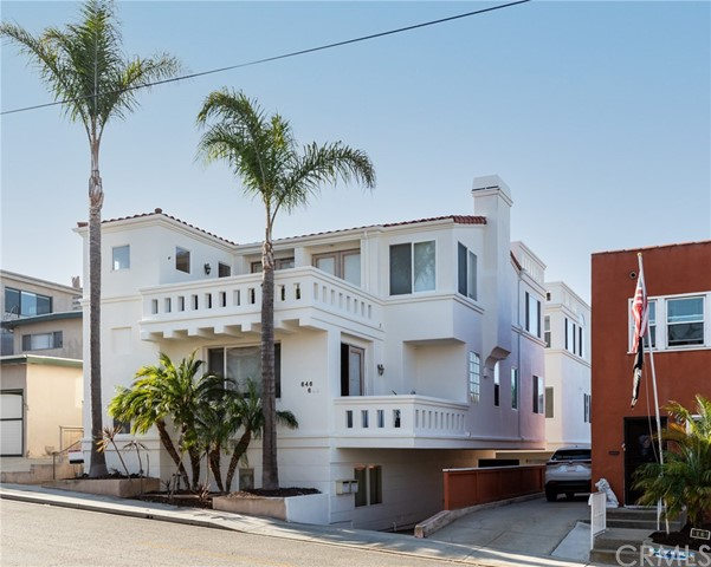 648 2nd Street, Hermosa Beach, California 90254, 4 Bedrooms Bedrooms, ,3 BathroomsBathrooms,For Sale,2nd,SB21163292