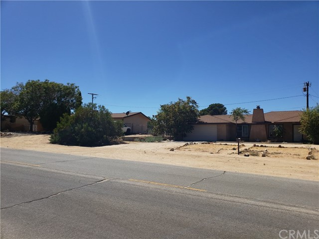 7344 Palm Avenue, Yucca Valley, CA 92284
